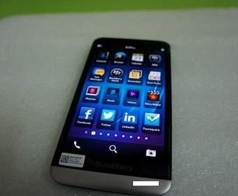 Утекло видео с новым смартфоном Blackberry Z30