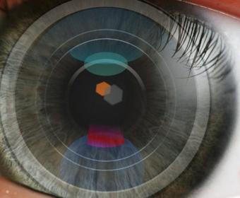 Sony запатентовали контактную линзу со встроенной камерой