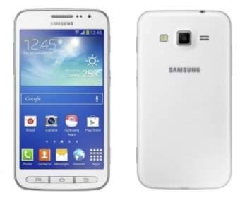 Компания Samsung представила новый смартфон Galaxy Core Advance