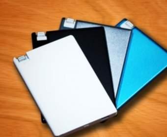 TravelCard – портативный аккумулятор размером с кредитную карту