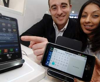 Беспроводное устройство WCD-800 от LG для зарядки смартфонов