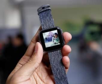 Fitbit Versa - более дружелюбные умные часы для масс