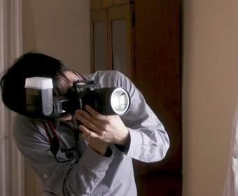 Вспышка с ИИ от Canon перемещается сама по себе, чтобы сделать портреты лучше
