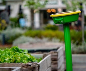 Робот-лейка GardenSpace на солнечных батареях позаботится о саде