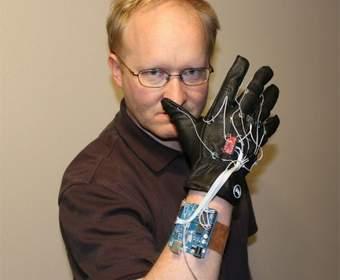 Kinect-перчатка от Бена Хека для удалённого управления Xbox 360