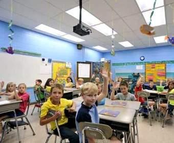Правильное освещение в школьных заведениях