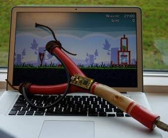 USB-рогатка для игры в Angry Birds
