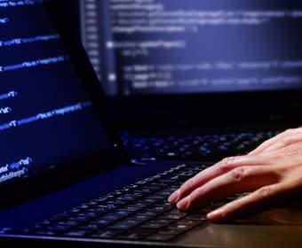 Как стать программистом и стоит ли это делать