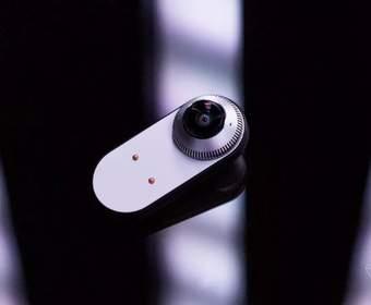 Съемная камера для Essential Phone теперь поддерживает стримы в Facebook Live на 360 градусов