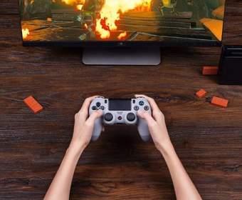 Этот миниатюрный USB-адаптер позволяет использовать контроллер PS4 с Nintendo Switch
