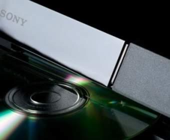 Sony продает PlayStation 4 себе в убыток