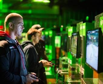 Microsoft начала продажи Xbox One