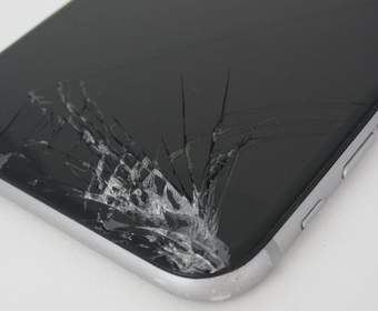 Motorola запатентовала самовосстанавливающийся экран для смартфонов